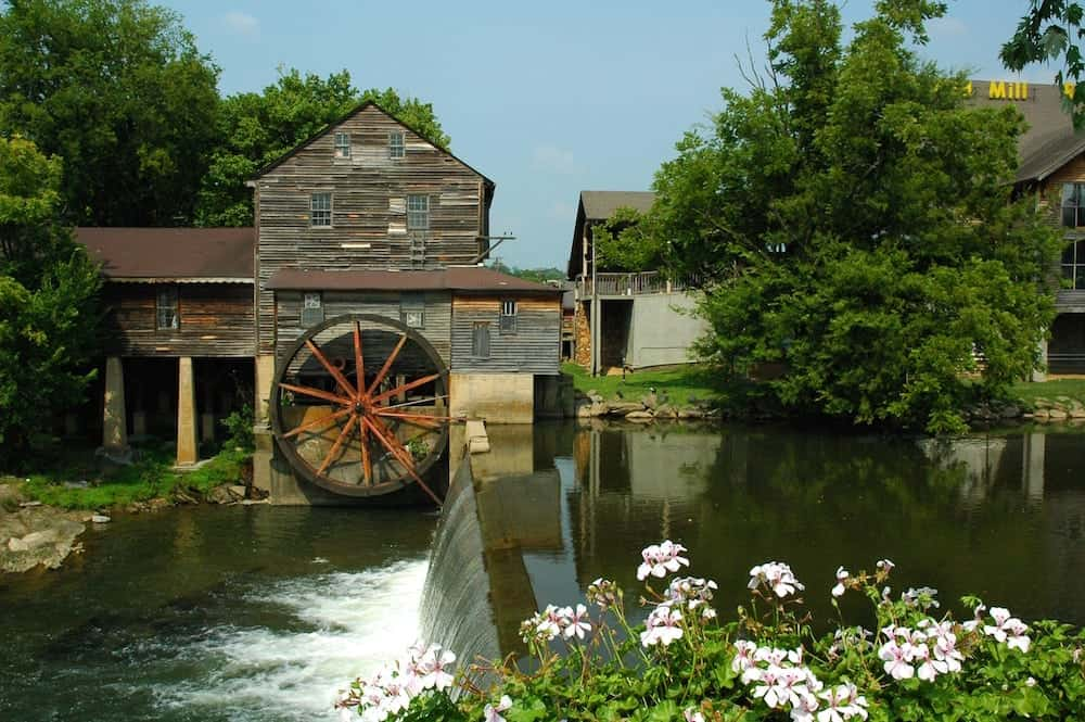 Top Restaurants and Shops to Check Out at the Old Mill in Pigeon Forge