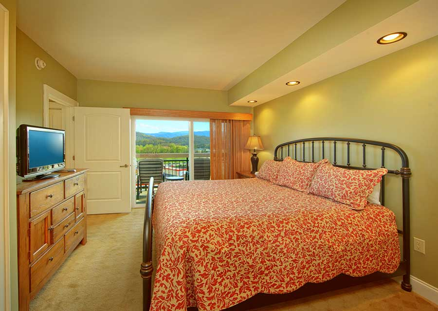 A beautiful bedroom in a condo in Pigeon Forge TN.