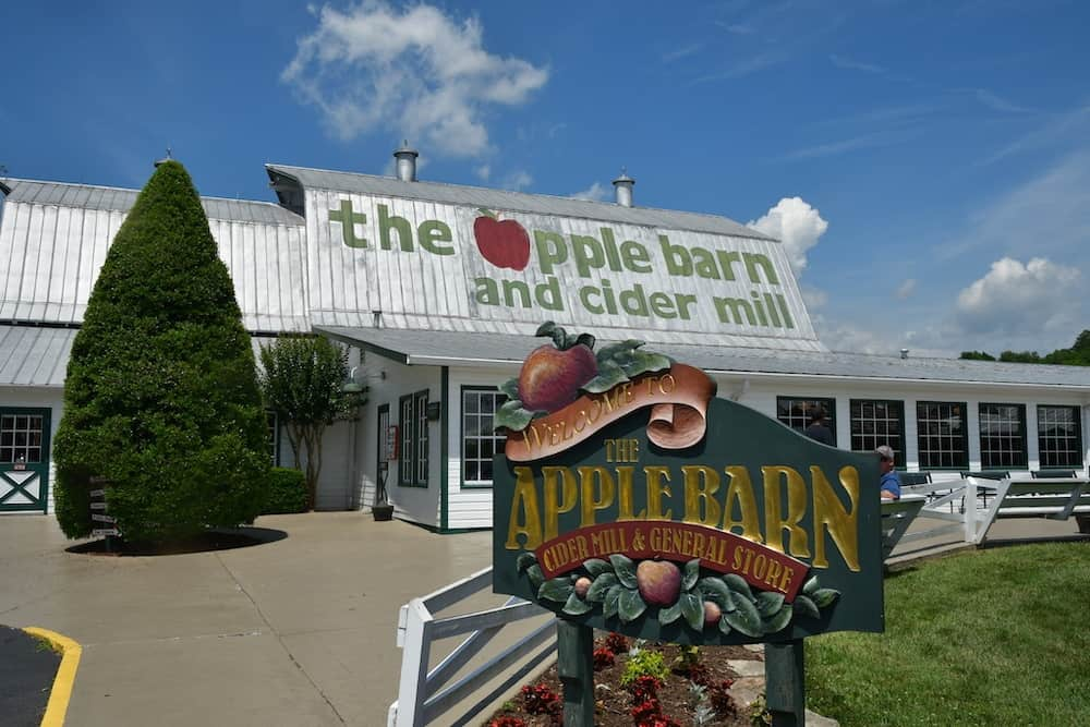 apple bar and cider mill