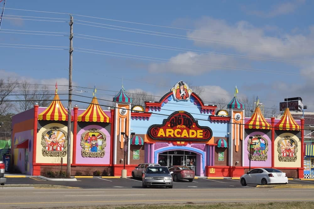 4 Fun Attractions in Pigeon Forge Within Walking Distance of Our Condos